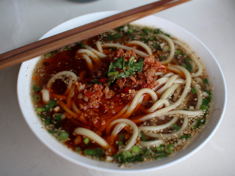 Weishan 巍山: two noodle marvels